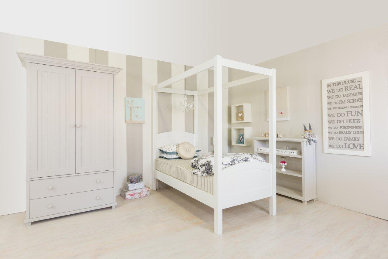 Four Poster Bed With Headboard And Footboard The Room